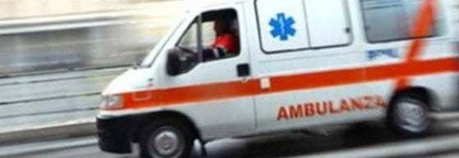 Incidente in moto: esce di strada  e muore sul colpo a 42 anni