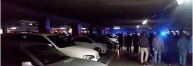 Raduno Di Auto Nel Park Ikea Sono In Mille Arriva La Polizia