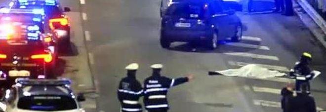 Risultati immagini per cadavere in mezzo alla strada