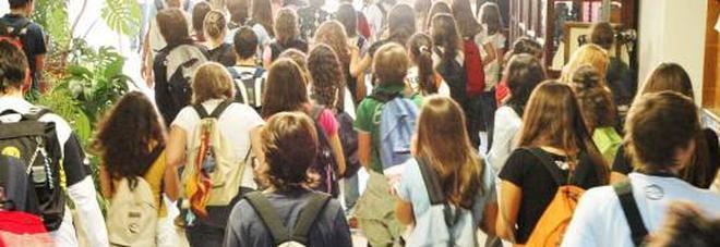 Scuola, l'anno prossimo la campanella suonerà il 13 settembre /Tutte le feste e i ponti