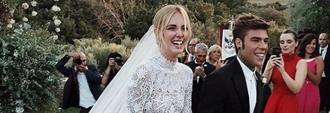 Matrimonio In Ferrari : Ferragnez il vestito da sposa di chiara ferragni firmato