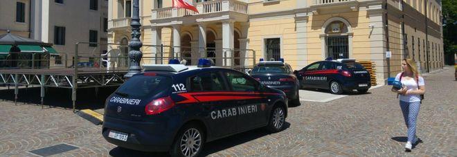 Perde due milioni di euro e tenta il suicidio nella sede di Veneto Banca