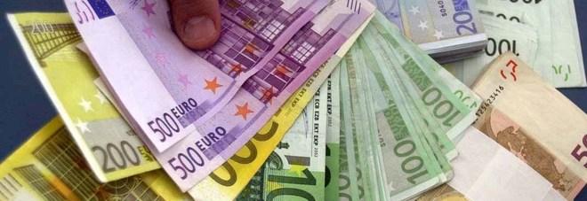Non si fida della banca e ritira i risparmi 85enne for Banca in casa