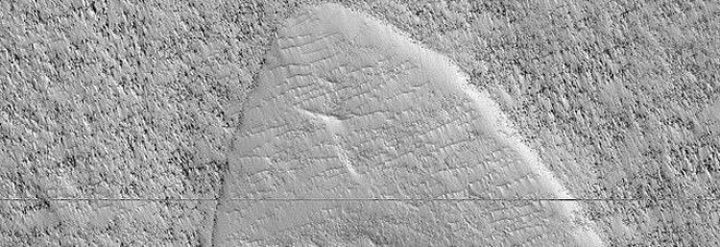 """Su Marte spunta il simbolo di Star Trek: la """"scoperta"""" della Nasa diventa virale"""