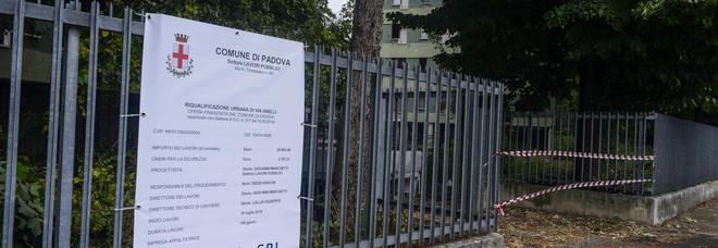 Via Anelli, il Comune ai proprietari: «Ecco i soldi per gli espropri»
