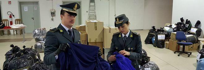 buy popular 79a83 1f1ab Capi d'abbigliamento senza etichetta: multe per mezzo ...