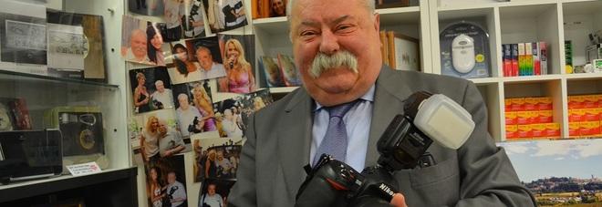 Ezio 60 anni di fotografia cronaca e miss un mestiere - Professione casa mestre ...