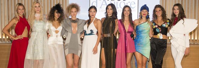 Glamour e nuove tendenze  la bellezza sfila sul mare  Ft 59277dfa9856