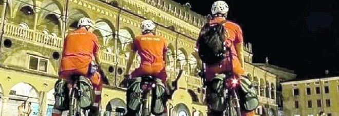 Malori In Centro La Croce Rossa Arriva In Bicicletta