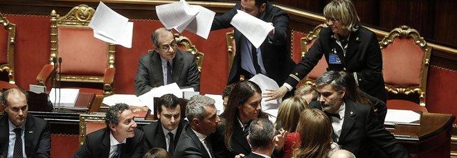 calendario lavori senato approvazione bagarre in senato posta la fiducia l 39 opposizione insorge