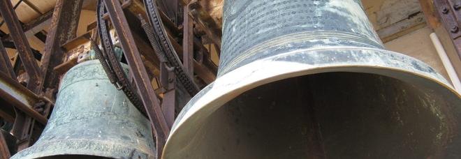 Guasto elettrico alla centralina: le campane svegliano tutto il paese