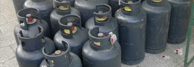 Ricaricava bombole di gas abusivamente azienda denunciata - Bombole gas per cucina ...
