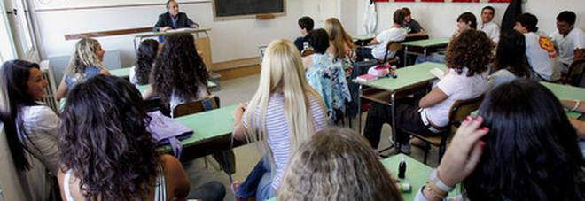 Lite in classe: professore si frattura  un dito e denuncia lo studente