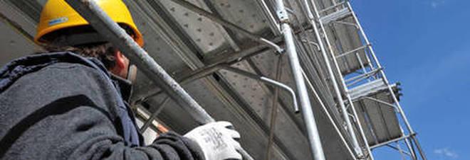 Cantieri edili scoperti lavoratori in nero e senza for Regolarizzazione stranieri senza permesso di soggiorno