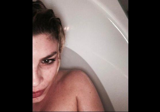 Vasche Da Bagno Udine : Emma selfie sexy in vasca da bagno e voci di nuovo flirt