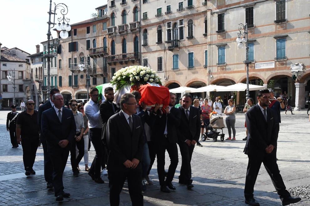 A Bassano i funerali di Luca Russo. In chiesa anche Marta