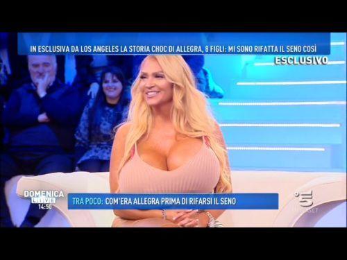 Karina Cascella critiche dopo Domenica Live: l'opinionista si difende