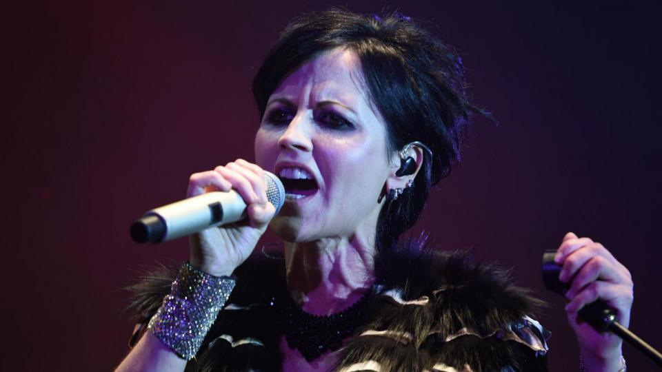 Dolores O'Riordan: muore a Londra la leader dei The Cranberries