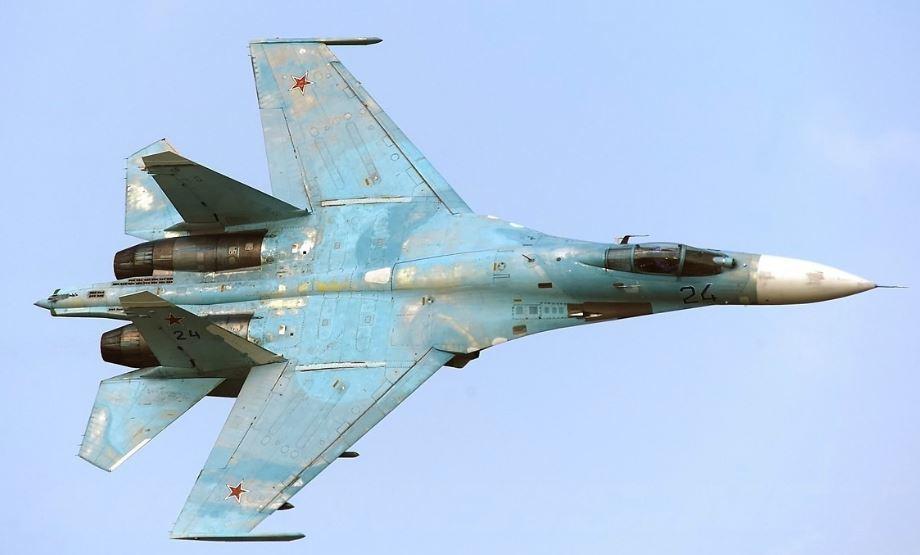 Aereo Da Caccia Russo : Caccia russo sfreccia a meno di due metri da aereo