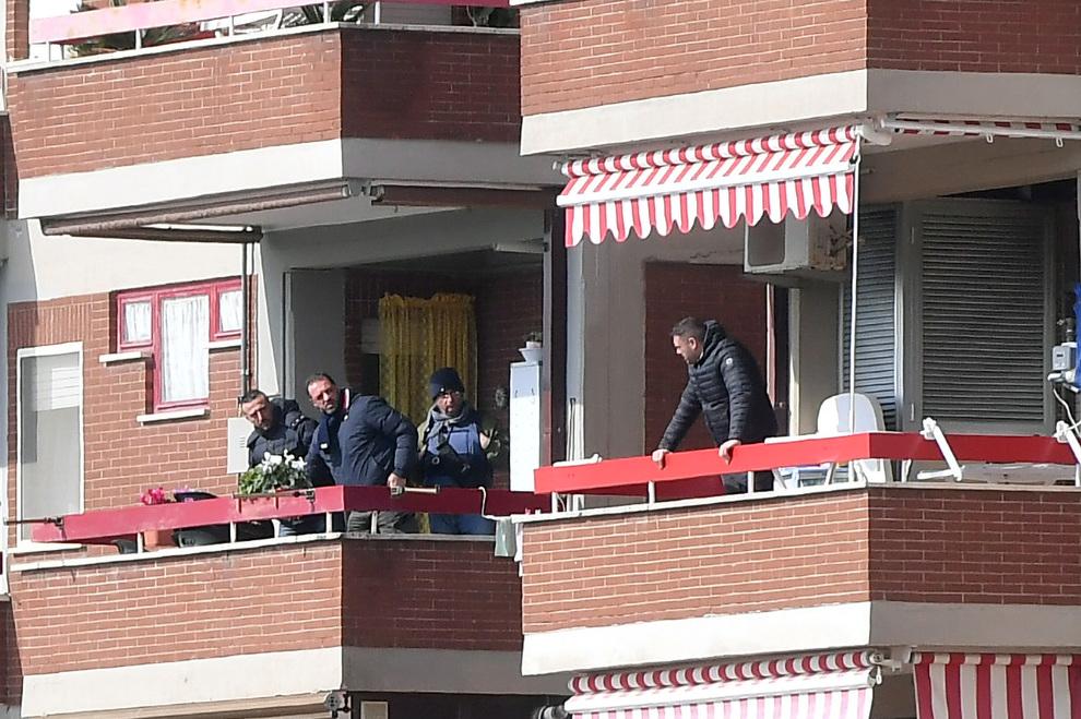 Strage di Cisterna, il carabiniere ha lasciato 5mila euro all'amante
