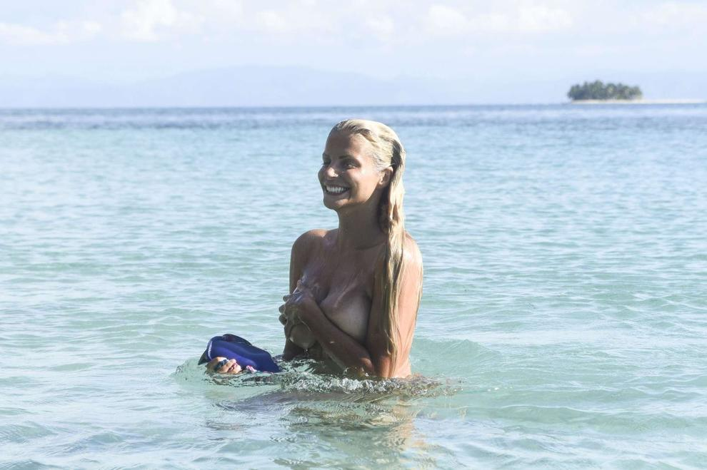 Isola dei Famosi: Bianca Atzei non è dimagrita. Quegli shaker proteici…