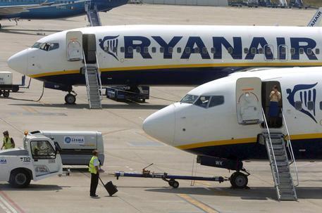 Lo sciopero Ryanair lascia a terra 100mila passeggeri: cancellati oltre 600 voli